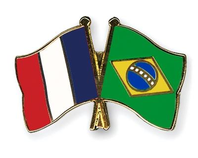 IMG:http://www.crossed-flag-pins.com/Friendship-Pins/France/Flag-Pins-France-Brazil.jpg