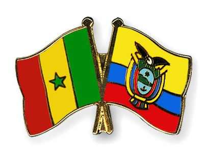 Crossed Flag Pins Senegal-Ecuador