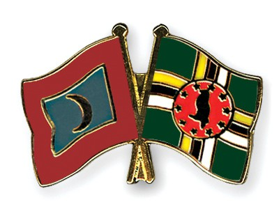 Crossed Flag Pins Maldives-Dominica