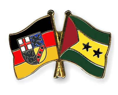 Crossed Flag Pins Saarland-Sao-Tome-and-Principe