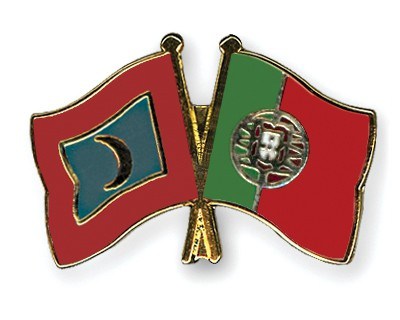 Crossed Flag Pins Maldives-Portugal