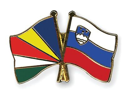 Crossed Flag Pins Seychelles-Slovenia