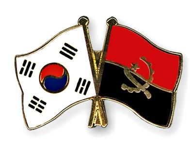 Crossed Flag Pins South-Korea-Angola
