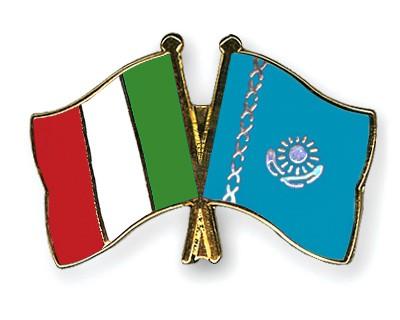 Crossed Flag Pins Italy-Kazakhstan