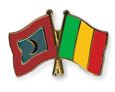 Crossed Flag Pins Maldives-Mali