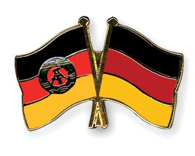 Crossed Flag Pins GDR-Germany