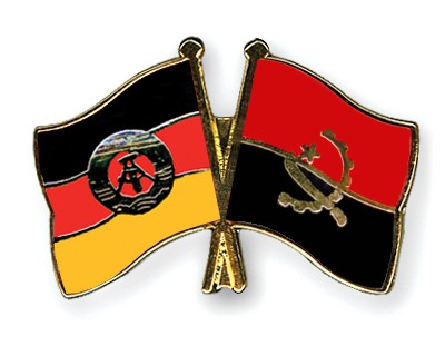 Crossed Flag Pins GDR-Angola