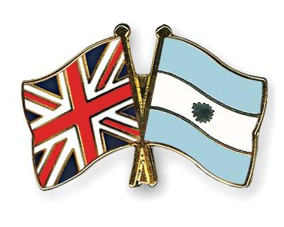 Crossed Flag Pins Great-Britain-Argentina