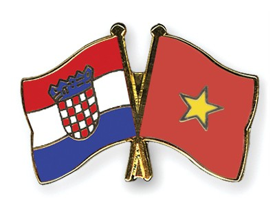 Crossed Flag Pins Croatia-Vietnam