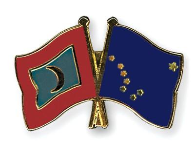 Crossed Flag Pins Maldives-Alaska