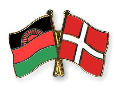 Crossed Flag Pins Malawi-Denmark