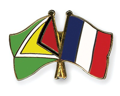 Crossed Flag Pins Guyana-France
