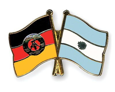 Crossed Flag Pins GDR-Argentina