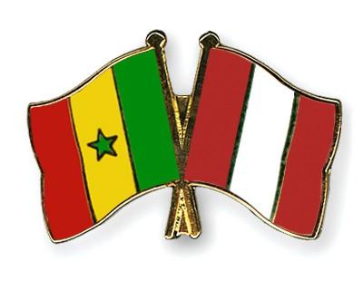 Crossed Flag Pins Senegal-Peru