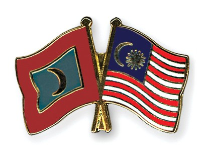 Crossed Flag Pins Maldives-Malaysia