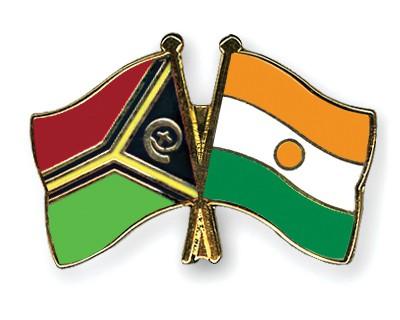 Crossed Flag Pins Vanuatu-Niger