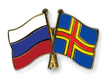 Crossed Flag Pins Russia-Aland