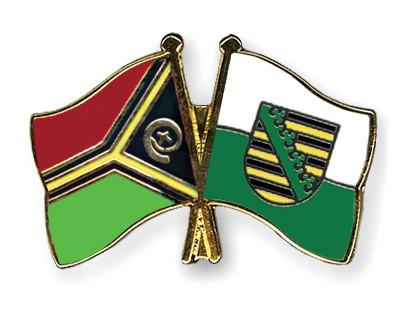 Crossed Flag Pins Vanuatu-Saxony