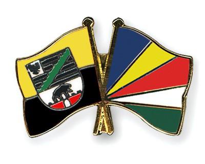 Crossed Flag Pins Saxony-Anhalt-Seychelles