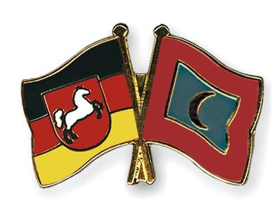 Crossed Flag Pins Lower-Saxony-Maldives