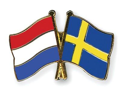 Crossed Flag Pins Netherlands-Sweden