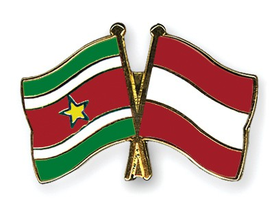Special Offer Crossed Flag Pins Suriname-Austria