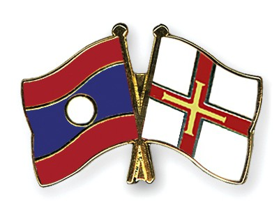 Crossed Flag Pins Laos-Guernsey