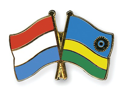 Crossed Flag Pins Luxembourg-Rwanda
