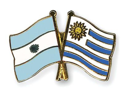 Crossed Flag Pins Argentina-Uruguay