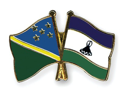 Crossed Flag Pins Solomon-Islands-Lesotho