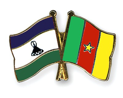 Crossed Flag Pins Lesotho-Cameroon