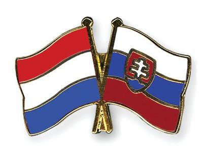 Crossed Flag Pins Netherlands-Slovakia