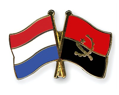 Crossed Flag Pins Netherlands-Angola
