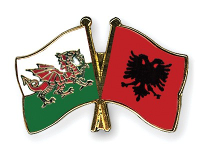 Crossed Flag Pins Wales-Albania