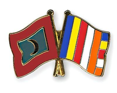 Crossed Flag Pins Maldives-Buddhism