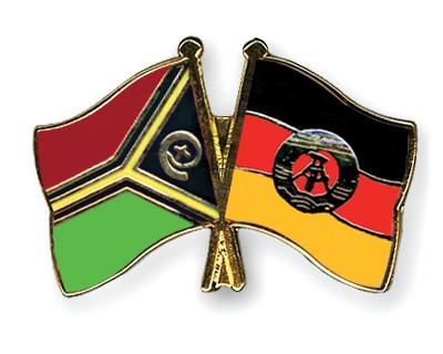 Crossed Flag Pins Vanuatu-GDR