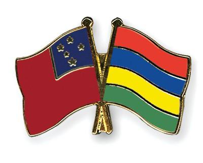 Crossed Flag Pins Samoa-Mauritius