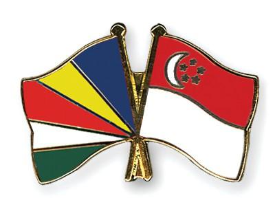 Crossed Flag Pins Seychelles-Singapore