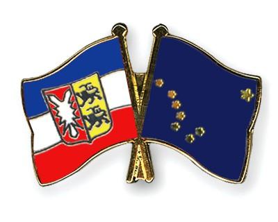 Crossed Flag Pins Schleswig-Holstein-Alaska
