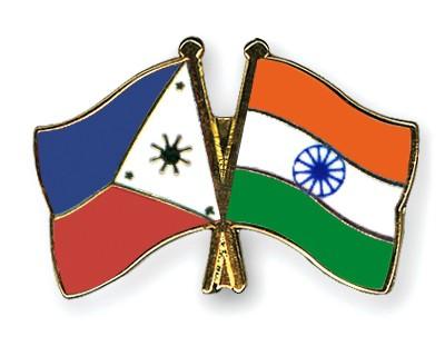 Crossed Flag Pins Philippines-India
