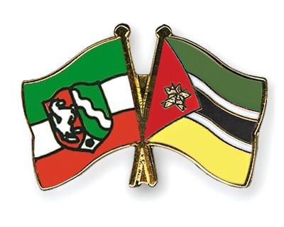 Crossed Flag Pins North-Rhine-Westphalia-Mozambique