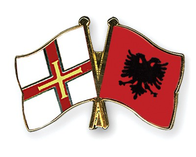 Crossed Flag Pins Guernsey-Albania