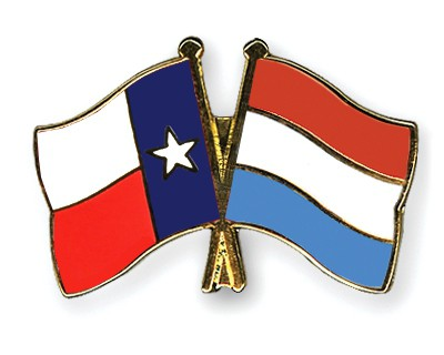 Crossed Flag Pins Texas-Luxembourg