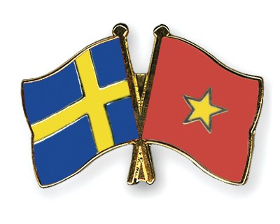 Special Offer Crossed Flag Pins Sweden-Vietnam