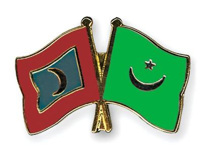 Crossed Flag Pins Maldives-Mauritania