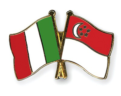 Crossed Flag Pins Italy-Singapore