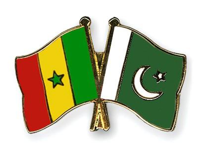 Crossed Flag Pins Senegal-Pakistan