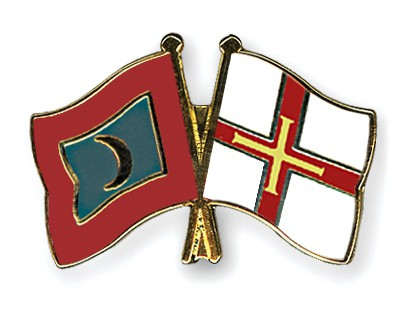 Crossed Flag Pins Maldives-Guernsey