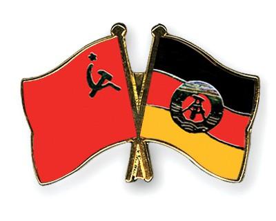Crossed Flag Pins USSR-GDR