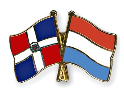 Crossed Flag Pins Dominican-Republic-Luxembourg